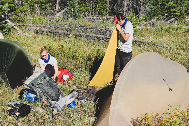 Acampar em áreas remotas requer atenção extra