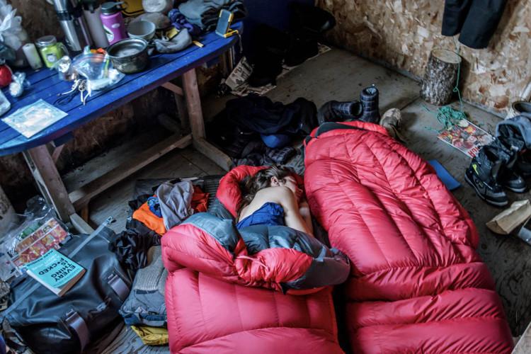 Saco de dormir para acampar no frio